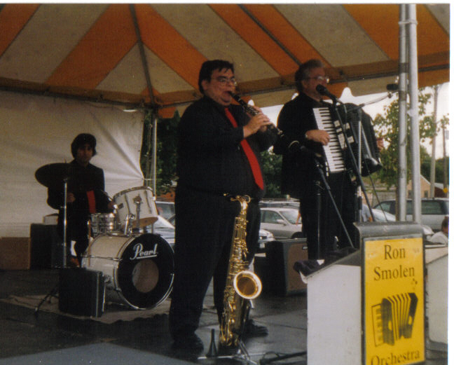 The Ron Smolen Combo at the Mayor Daley Senior Picnics in the parks (1999)
